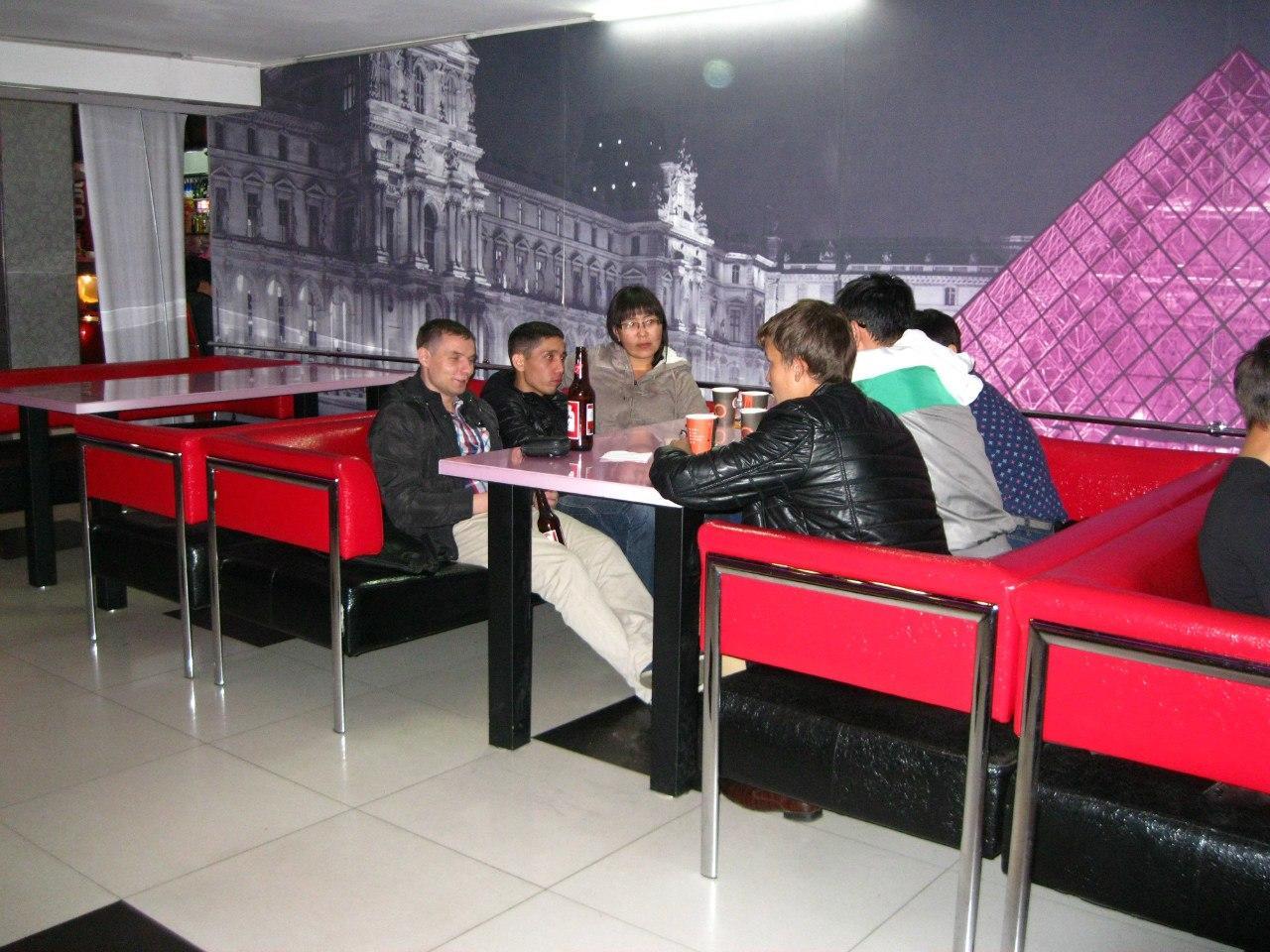 Провожаем лето в кафе ПОДVAL