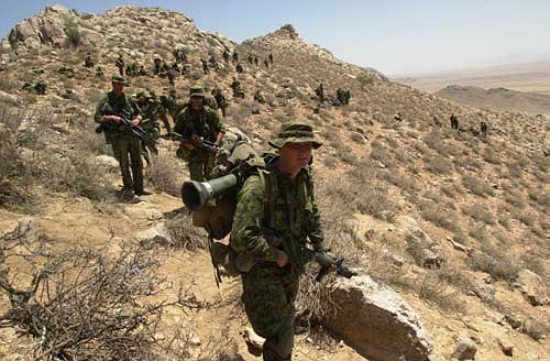 Canadian_soldiers_afghanistan.jpg